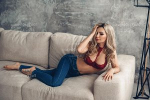 Pura outcall escorts in Universal City & free sex ads