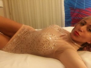 Laldja live escorts in Snohomish