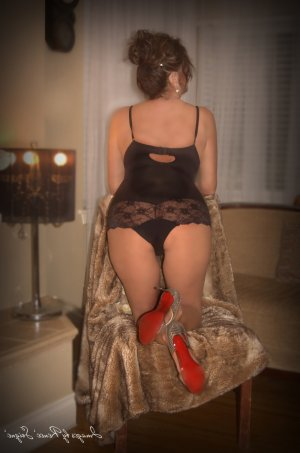 Marie-annabelle incall escort in Deerfield Beach & sex party