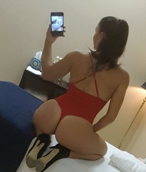 Aiyanna escort girl in Newton Massachusetts & sex guide